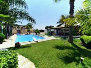 Villa Palme Alcamo Marina Pool with chromotherapy.
