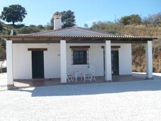 HOLIDAY VILLA WITH SWIMMING POOL IN SPAIN, Coín