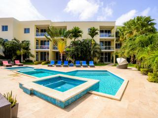 Modern  2 bedroom apartment at famous Eagle Beach!