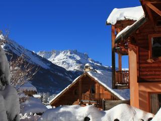 Le Queyrellin hameau des Chazals Nevache Hautes Alpes