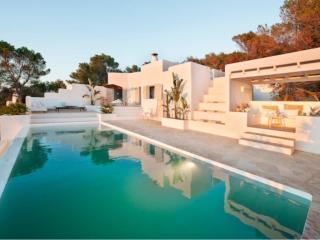 4 bedroom Villa in Cala Vadella, San Josep, Ibiza : ref 2385361