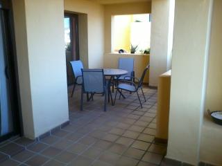 Large Private Apartment - Duquesa Village, San Luis de Sabinillas