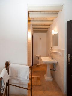 Bathroom of bedroom 1