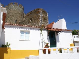 Encosta do Castelo nº17, Portel