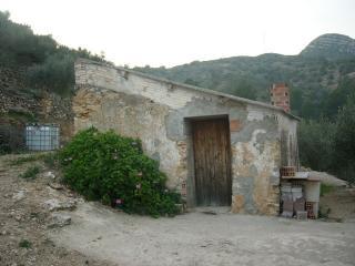 Casa rustica nella natura, Tortosa