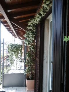 balcone attrezzato per cene romantiche