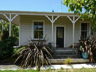 Ambrosia Cottage, 29a Strasbourge Street, Martinborough