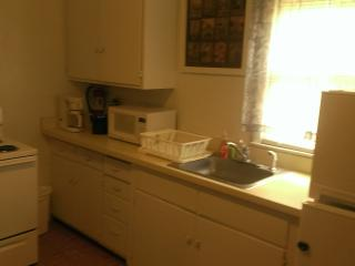 SEASONAL (May 1 to Sept 1)...1 BR 3 Blks 2 Beach!, Wildwood Crest