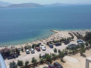 Seaside Luxury Apartment B, Saranda
