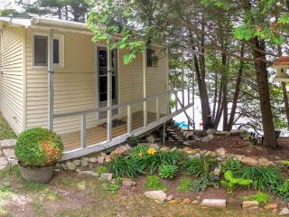 Four Corners Cottage Rental on the Rideau Canal