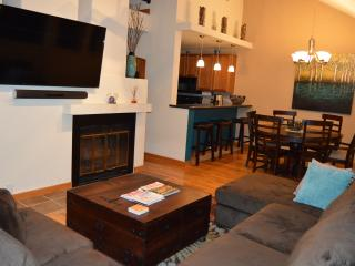 Vail condo, pool/hot tub, steam room, near village