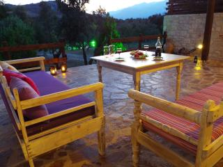 So peaceful and carefree! Villa Ostria, a lovely cottage at Lefkogia village, in south Crete