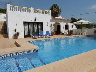 MJ000179 Ideal 3 bed, 3 bath Villa, Moraira