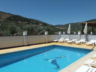 Luxury Villa For 6 -Hot Tub and Chlorine Free Pool, Iznájar