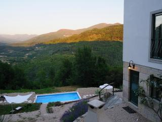 High quality villa with stunning mountain views