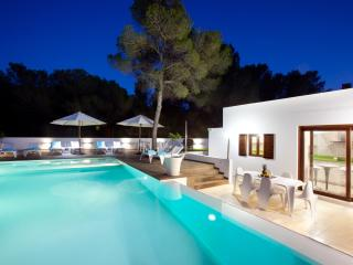 Stunning Villa in Cala Bassa..!!!