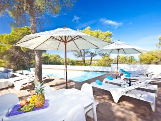 Stunning Villa in Cala Bassa Beach !!!10% DISCOUNT ON ALL BOOKINGS MADE IN MAY!!
