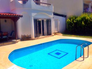 Villa Hulisi With Private Pool, Turgutreis