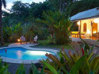 Casa Carpe Diem 3 bedroom with pool near  beach, Punta Uva