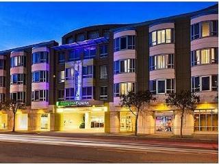 Harmonious Holiday Inn Exp & Sts San Fran, San Francisco