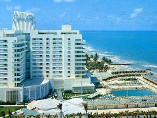 Edgy Eden Roc Miami Beach