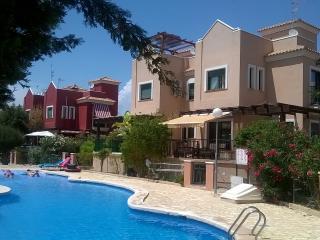 Bonita casa en una zona tranquila Torrevieja