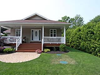 Point Clark cottage (#754), Kincardine