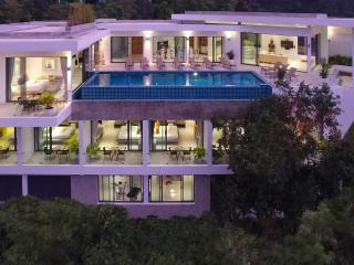 Luxury 9 bed Villa with Sea views. Sleeps 16-23, chef, bar, pool table, cinema