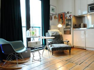 Yawn Natasha's Room, Brüssel