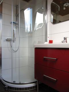 Bathroom upstairs - Badezimmer obengeschoss - badkamer etage