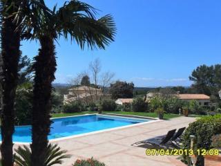 appartement dans villa standing avec piscine, Roquebrune-sur-Argens