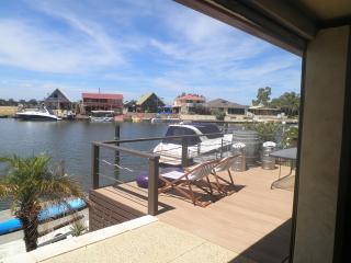 Waterside Resort Style, Mandurah