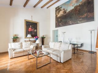 Palazzo Lancellotti Luxury Apartment