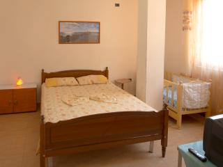 Friends  Room, Durres