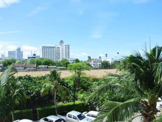Luxury 1 bedroom condo at Jomtien JBC S1 F3 R30-31, Pattaya