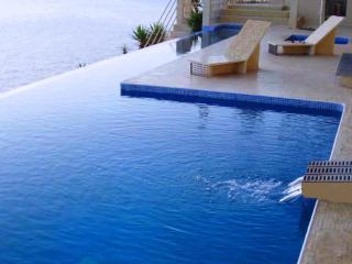 Luxury villa on the seafront, El Toro