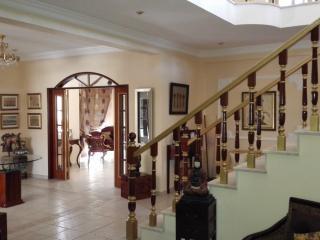 2 Lions Villa