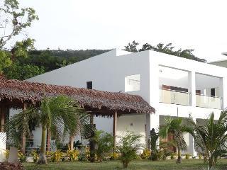 Brand New Stunning Luxury Beach House, Port Vila