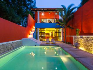 Colorful family-friendly hideaway in urban Merida