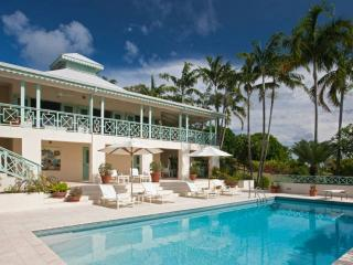 Mahogany Hill Villa - 5 Bedrooms - Sea Views, Charlestown