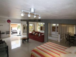 SPACIOUS VILLA - PROMO 2016 70 € ( Sep ), Pereybere