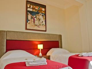 LARQ'A PARK ROOMS: Nice Twin Room in Miraflores