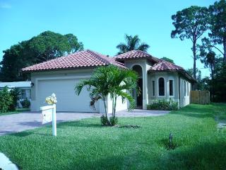 Bike to Beach New Villa Luxury Heated Salt Water, Naples