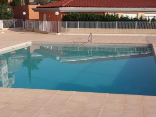charmant rez de jardin, piscine, terasse