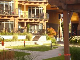 Luxury Main Floor Condo Overlooking Okanagan Lake