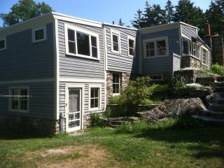 The Cranberry Island Artist's Home with studio in Maine - 4 bedrooms