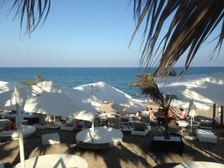 La Playa 300m, house sleeps 6, WIFI, SKY TV