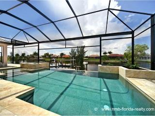 Villa Royal Miranda- Luxury in  SW Cape Coral