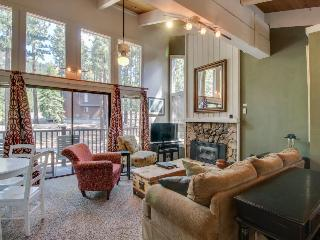 Well-decorated & modern home close to ski and lake access awaits!