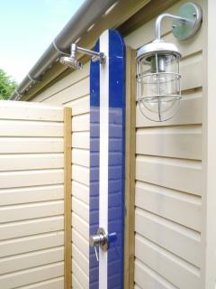 Outdoor heated surf shower - roomy enough for two!